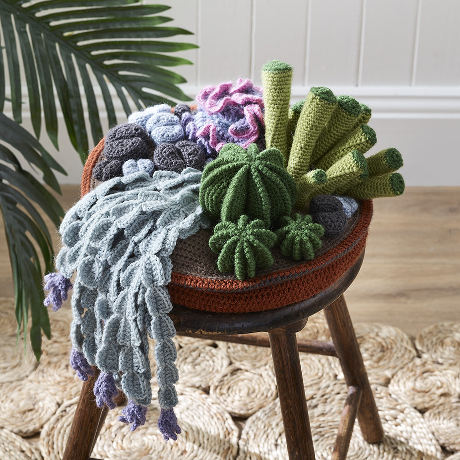 Crochet a cactus - Free patterns- Yarnplaza.com   For knitting ...   927x927